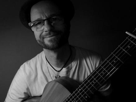 Micha macht Musik - Schwarzweiß Fotosession #1